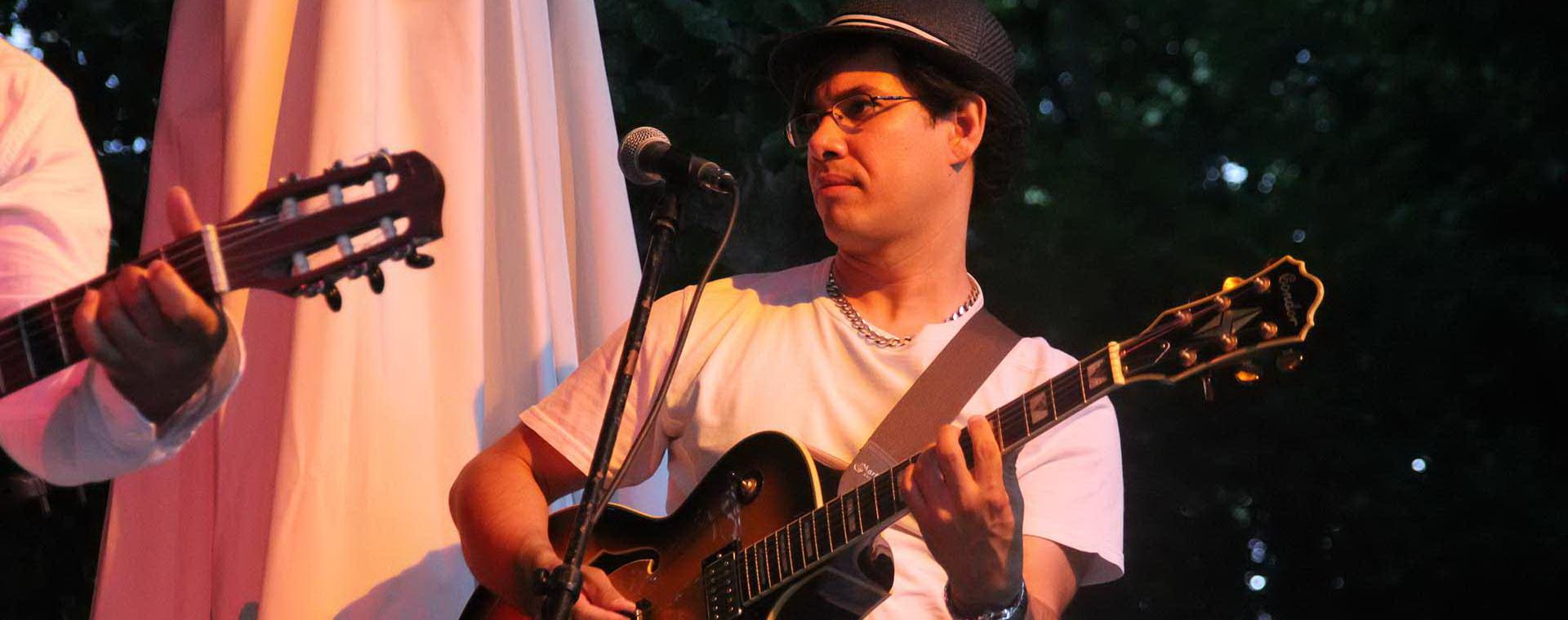 Silvio Fortes mit Band